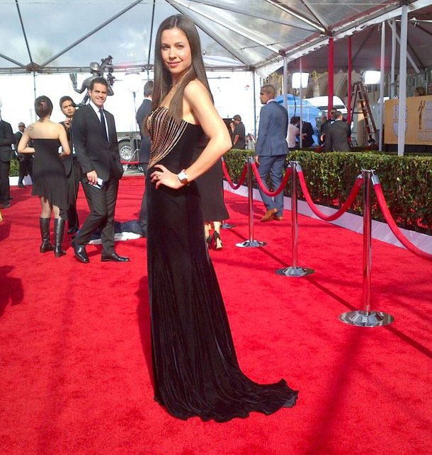 In a Black AIISHA gown to the SAG Awards 2013