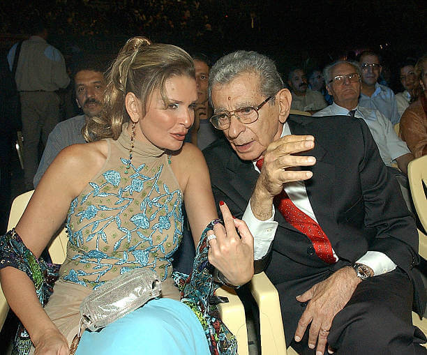 Yousra and Egyptian director Youssef Shahine at the opening of the Carthage film festival 01 October 2004 in Tunis (2)